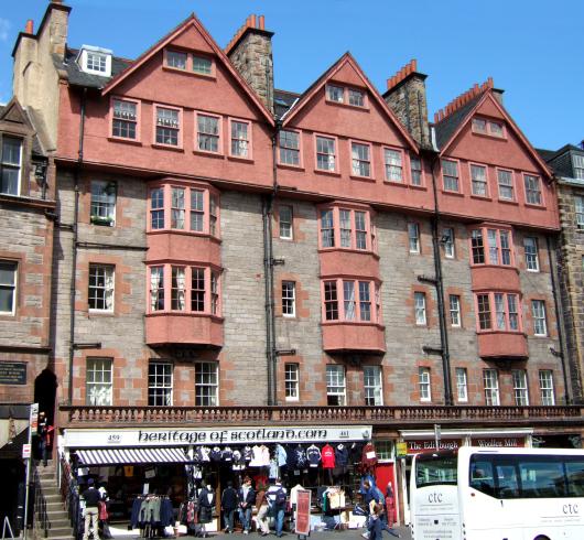 Pillow Stops Royal Mile Edinburgh Self Catering Holiday Apartments